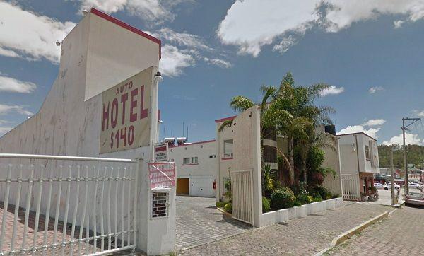 Auto hotel California Puebla